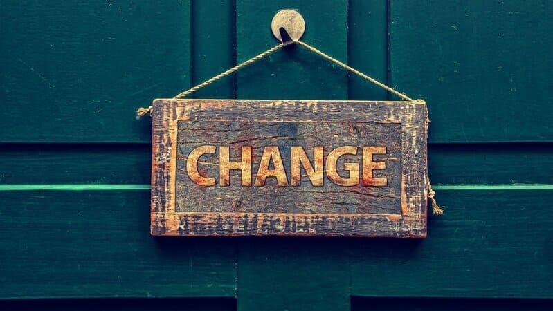 担当を変えることをイメージする画像