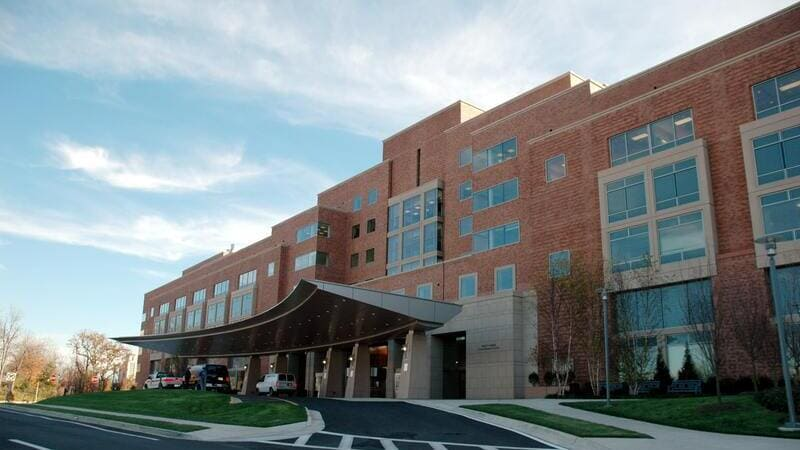 病院の外観をイメージした画像